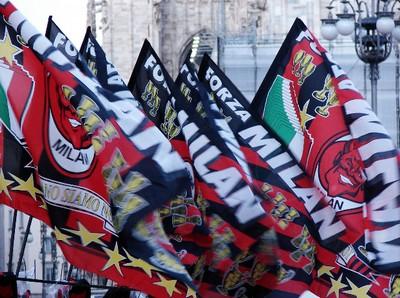 bandiere-milan-calcio