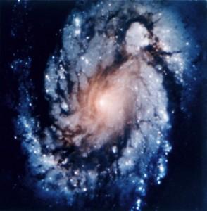 La galassia M100 fotografata da Hubble (foto Wikipedia)