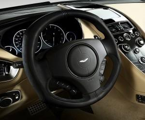 Aston Martin Vanquish 2013: il volante