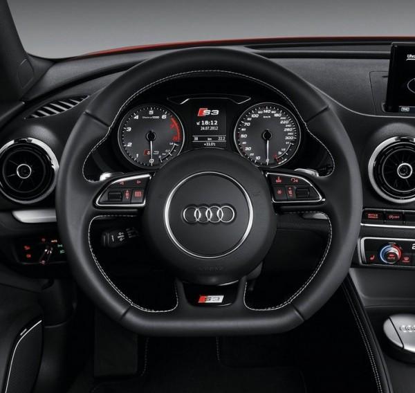 Audi S3 - volante sportivo