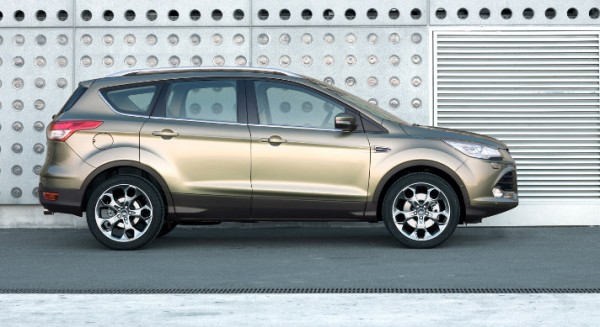 Ford Kuga 2013 - vista laterale