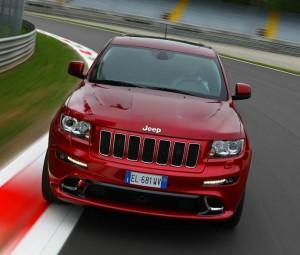 Il frontale della nuova Jeep Grand Cherokee SRT
