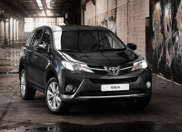 Il rinnovato frontale della Toyota RAV4
