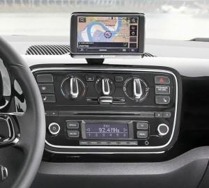 Volkswagen Up: navigatore, comandi del climatizzatore e autoradio